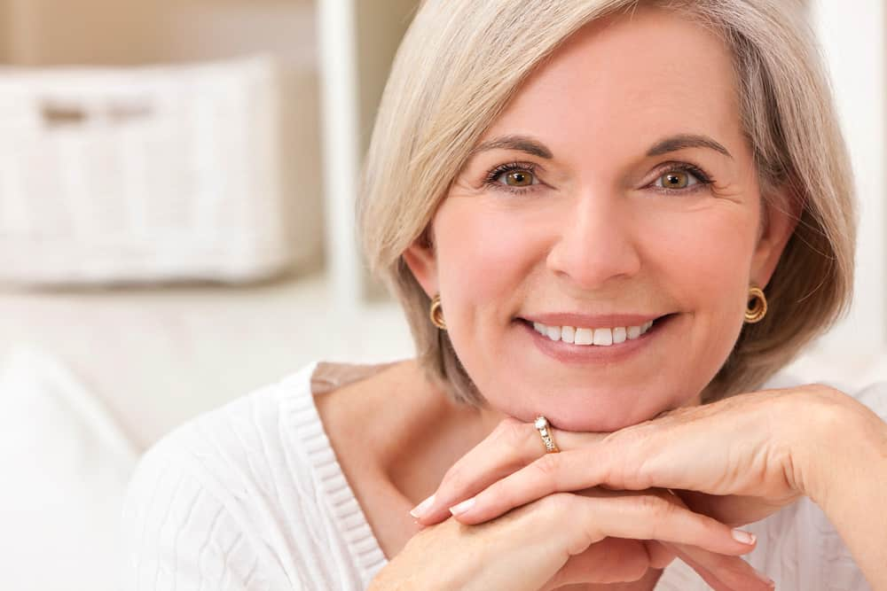 Dentures fit to mouth - Brentwood Dentist